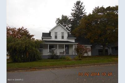 203 E Dayton - Photo 1