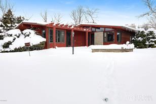 4005 Lakeridge Drive - Photo 1