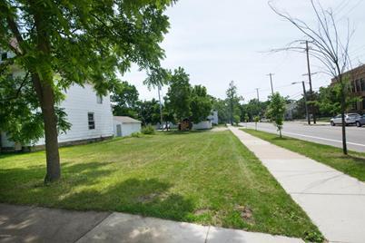 2154 SW Buchanan Avenue - Photo 1