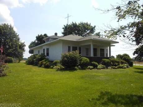 7195 River Road - Photo 1