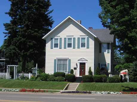 603 E Ludington Ave - Photo 2