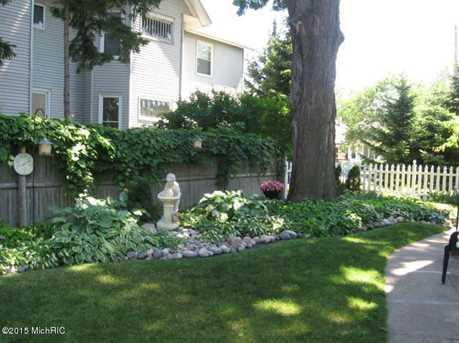 603 E Ludington Ave - Photo 40