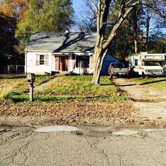 216 Hutchinson Street - Photo 2