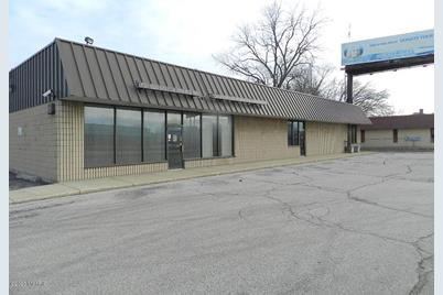 1161 E Napier Avenue - Photo 1