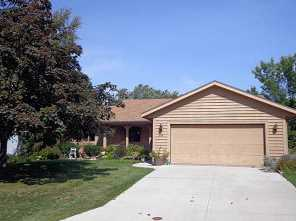 634  Woodview Ave - Photo 1