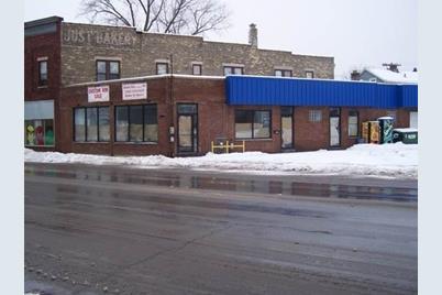 1304  Douglas Ave - Photo 1
