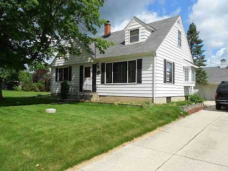 224  Menomonee Ave - Photo 1