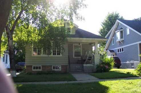 3819 N Frederick Ave - Photo 1