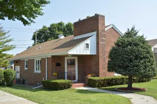 3232 W Oklahoma Ave - Photo 1