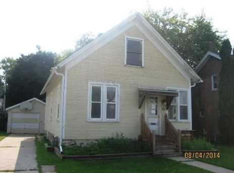 425 Middle St - Photo 1