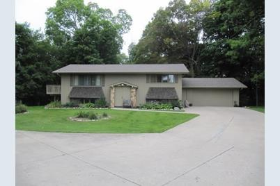 4214  Springhill Dr - Photo 1