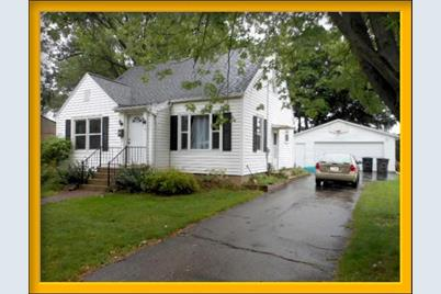 132 N Midway Ave - Photo 1