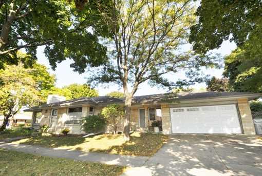 8726 W Fiebrantz Ave - Photo 1