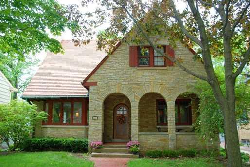 4637 N Murray Ave - Photo 1