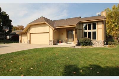 14190 W Meadowshire Dr - Photo 1