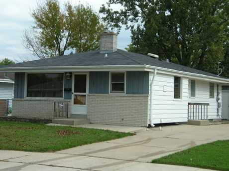 1661 Perry Ave - Photo 1