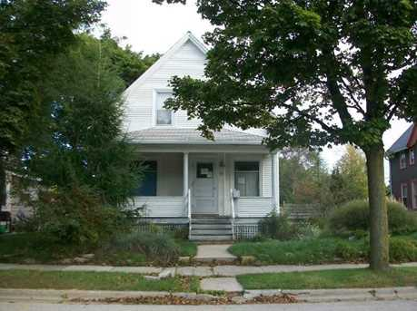 824  Ashland Ave - Photo 1
