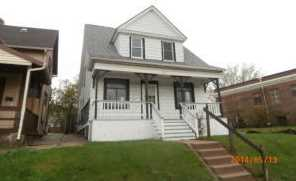 2941 S Kinnickinnic Ave - Photo 1