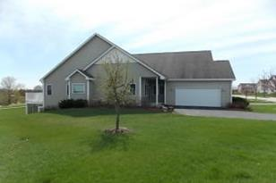 674  Waters Edge Dr - Photo 1