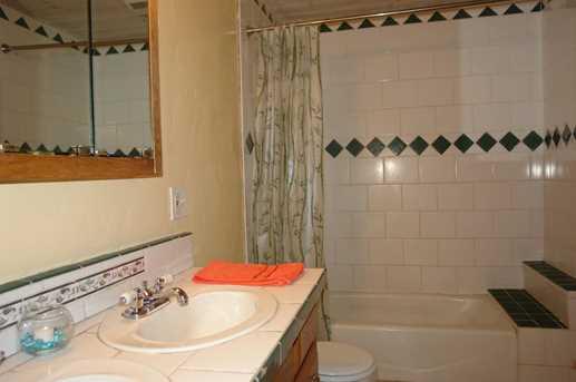 236 W Hilton Dr - Photo 34