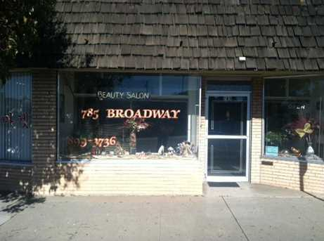 777 / 785 Broadway Ave - Photo 2