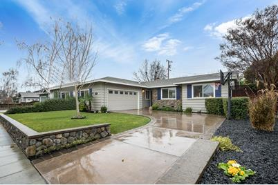 2707 Dumbarton Ave - Photo 1