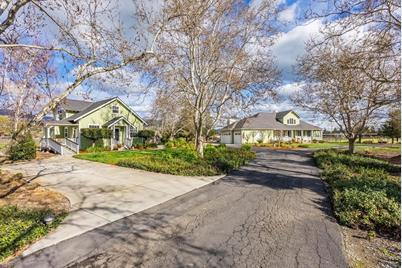 1470 E Middle Ave - Photo 1