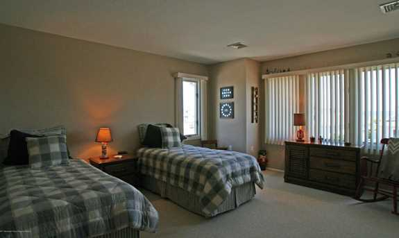 811 Ensign Drive - Photo 24