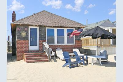 155 Beach Front - Photo 1
