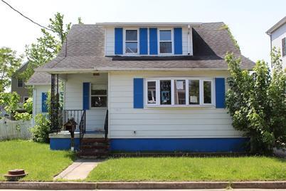348 Bayview Avenue - Photo 1
