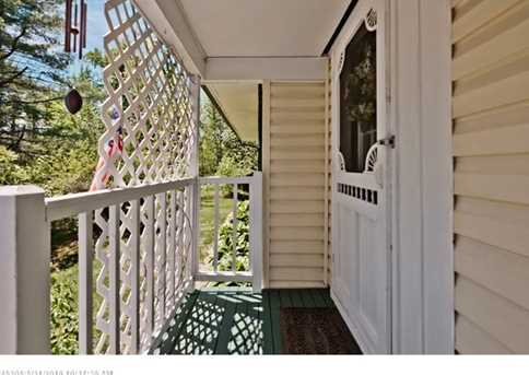 896 Rockland Rd - Photo 4