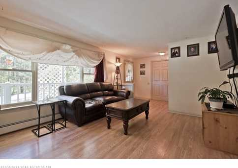 896 Rockland Rd - Photo 6