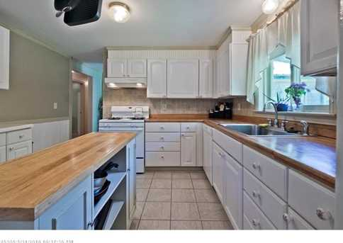 896 Rockland Rd - Photo 12