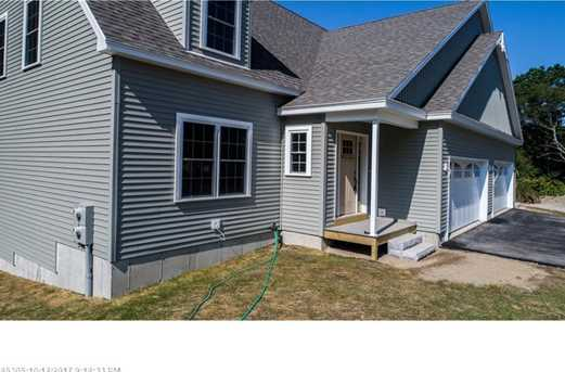 11 Willowdale Rd 1 - Photo 4