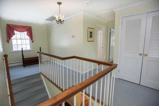 156 Colonial Rd - Photo 16