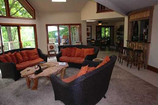 340 Willow Drive - Photo 4