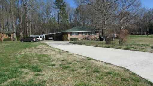 225 Pinecrest Lane / Hwy 124 Highway - Photo 2