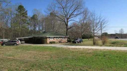 225 Pinecrest Lane / Hwy 124 Highway - Photo 1