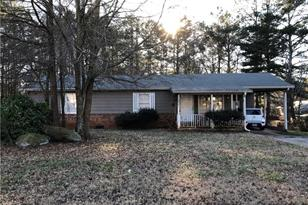 3020 Kennesaw Drive NW - Photo 1