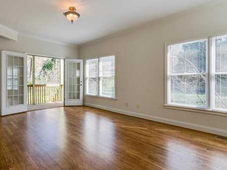 439 Melrose Avenue - Photo 18