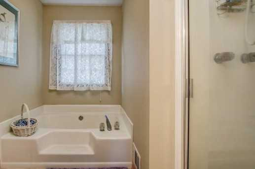 1004 Crabtree Close - Photo 34