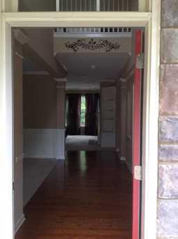 568 Longwood Place - Photo 2