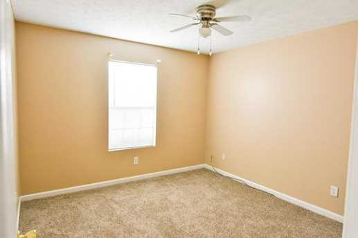 9202 Sterling Lakes Drive S - Photo 40