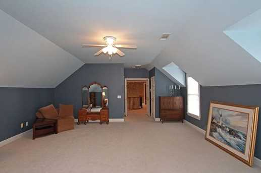 1075 Greatwood Manor - Photo 32