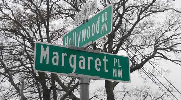 809 Hollywood Road NW - Photo 14