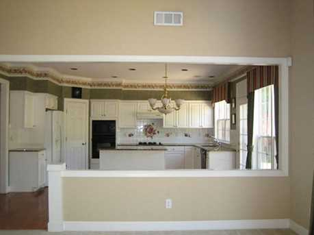 210 Henley Place - Photo 4