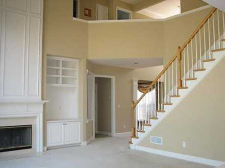 210 Henley Place - Photo 2