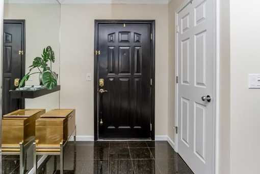 3334 Peachtree Rd #813 - Photo 4