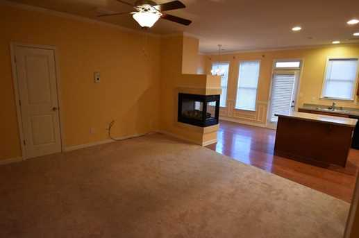 979 Parkside Wood Court - Photo 4