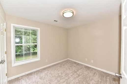 4174 Roberts Cove Terrace - Photo 32